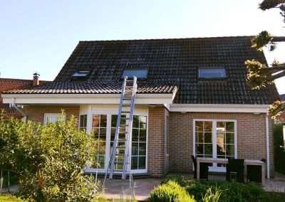 Ontmossen en coating dak - rood - Kortrijk - voor